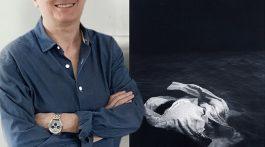 La ganadora del pasado año, Carmen Isasi con una de sus obras de la serie premiada